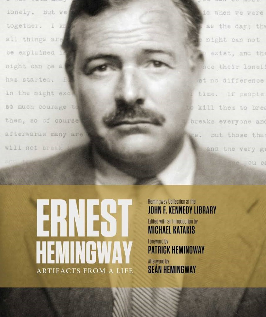 "Tapa del libro ""Ernest Hemingway: Artifacts From a Life"" por Michael Katakis"